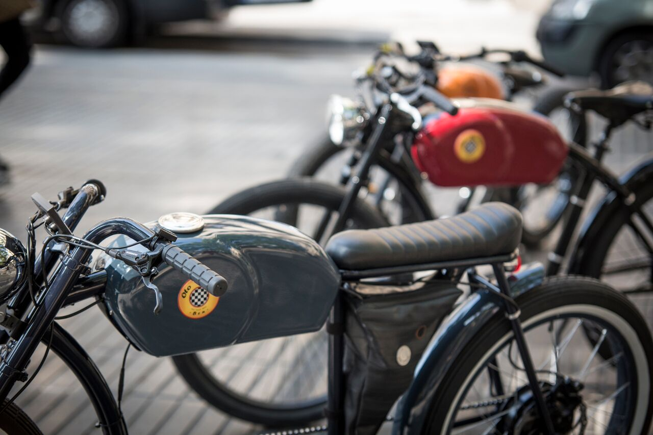 E-Bike Cafe Racer by Oto Cycles