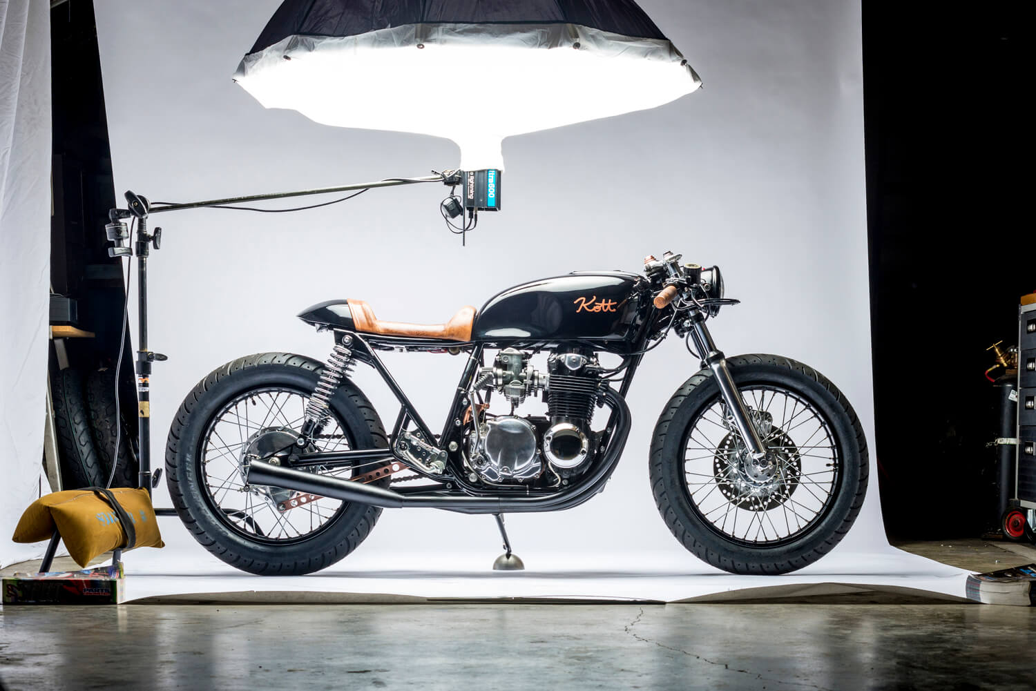The base bike was a 1980 xs650 in a very poor state cylinders where - Cb550 Caf Racer By Kott Motorcycles