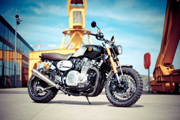 Yamaha XJR1300 Scrambler by Flash 76