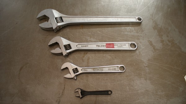 1c-2-Adjustable Wrench selection