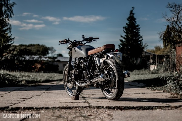 Easy Cruiser: Suzuki GS550 by Kaspeed Moto
