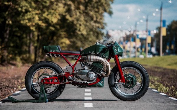 Yamaha RD350 Café Racer by Iron Custom Motorcycles