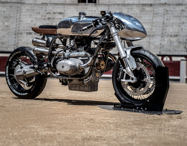 https://bikebrewers.com/wp-content/uploads/2017/05/BMW-R100RS-Silver-Bullet-13.jpg