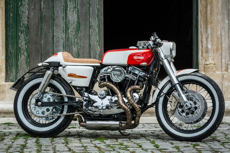 Assez Custom Harley Cafe Racer by Redonda Motors | BikeBrewers.com YI41