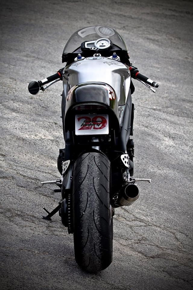 Triumph Speed Triple Cafe Racer 3