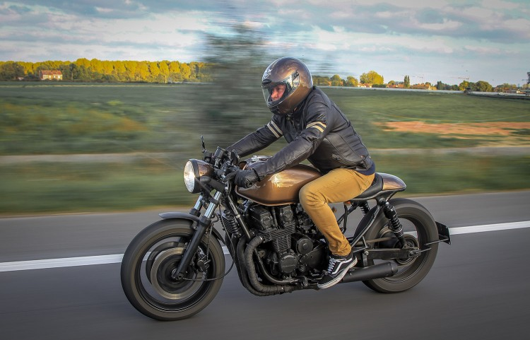 Honda Cb750 Cafe Racer >> Honda Cb750 Cafe Racer Done Right Bikebrewers Com