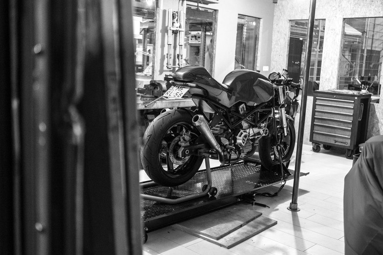 Ducati Monster Cafe Racer (4)